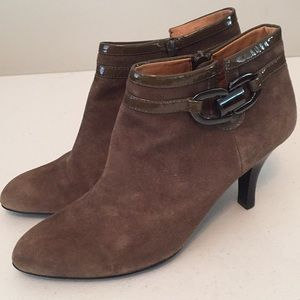 Sofft suede ankle boot